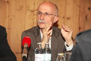 Liste Fritz Landtagsabgeordneter Andreas Brugger bei einer Pressekonferenz
