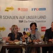 Vertreter der Tiroler Opposition bei einer Pressekonferenz