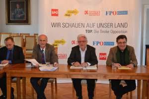 Pressekonferenz der Tiroler Oppositionsparteien zum Thema Agrargemeinschaften