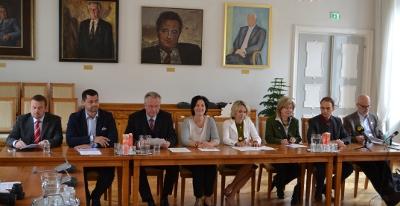 Die Pressekonferenz der Oppositionsparteien zum Direktzug Lienz-Innsbruck
