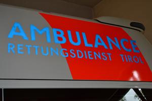 Eine Rettungsauto in Tirol