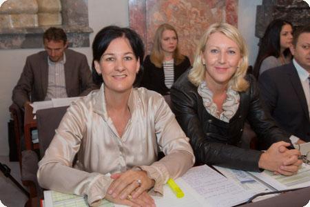 Fritz-Landtagsabgeordnete Andrea Haselwanter-Schneider und Isabella Gruber im Landtag