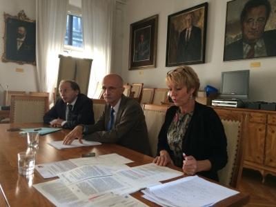 Vertreter von FPÖ, Liste Fritz und SPÖ bei einer gemeinsamen Pressekonferenz