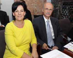 Andrea Haselwanter-Schneider und Andreas Brugger im Landtag