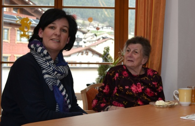 Andrea Haselwanter-Schneider zu Besuch in einer Pflegeeinrichtung