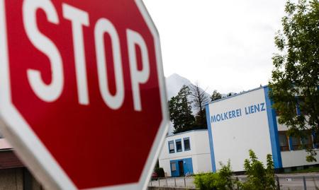Stopptafel vor der Molkerei in Lienz