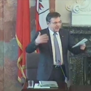 Günther Platter bei seiner Rede im Landtag