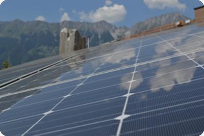 Eine Photovoltaik-Anlage in Tirol