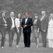 Landeshauptmann Platter inmitten seiner Regierungsmannschaft