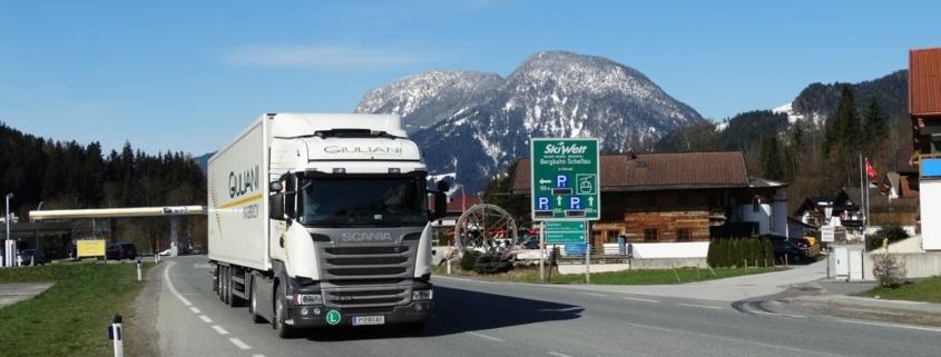Verkehrssituation in Scheffau