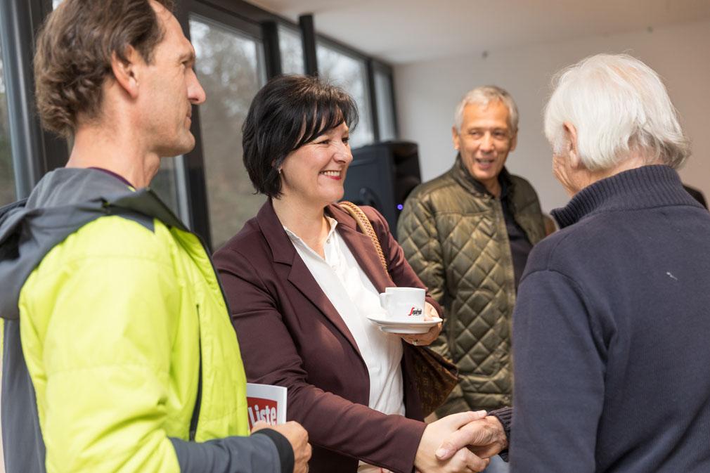 Andrea Haselwanter-Schneider und Bürger